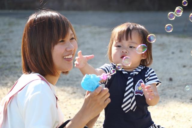 幼稚園や保育園、児童館での経験を活かして、ベビーとママの教室を主宰 ~保育士の転職体験