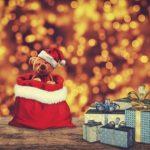 クリスマスにサンタがやって来た! おうちでの上手なプレゼントの渡し方とカミングアウト方法は?【小阪有花さん連載⑥】