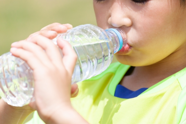 夏は子どもの脱水症状に注意! 水分補給してもらうテクニック3選【小阪有花さん連載14】
